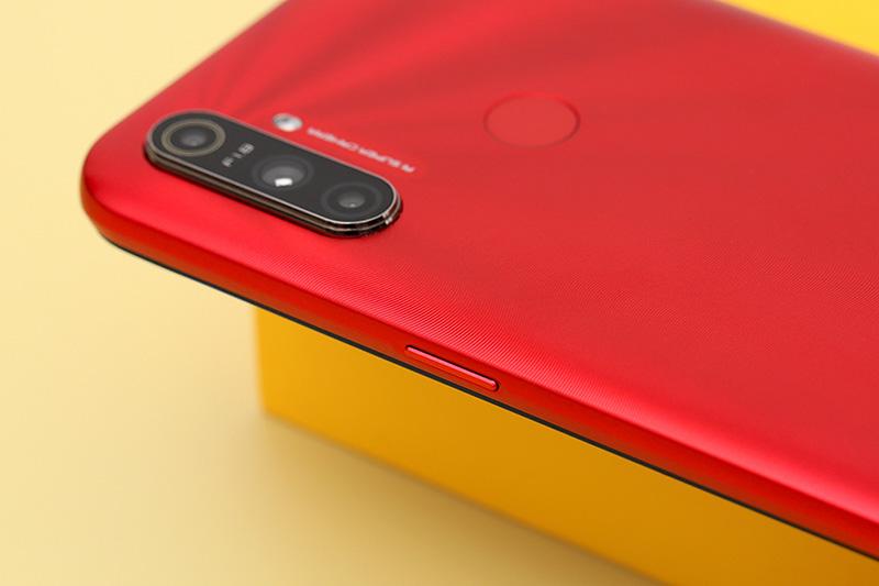 Điện thoại Realme C3 | Cạnh viền phải
